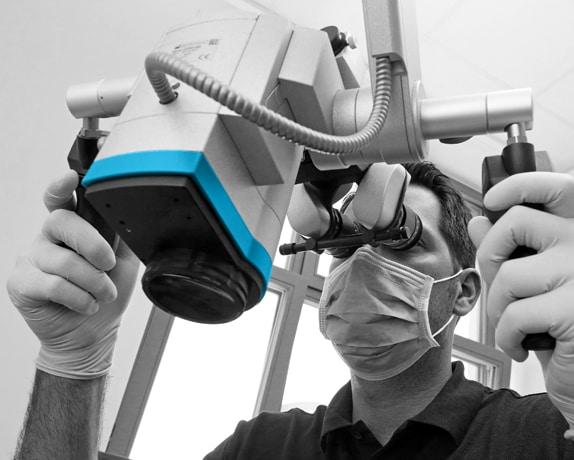 Zahnärzte in der Filzfabrik Speyer-Endodontologie-Mikroskop